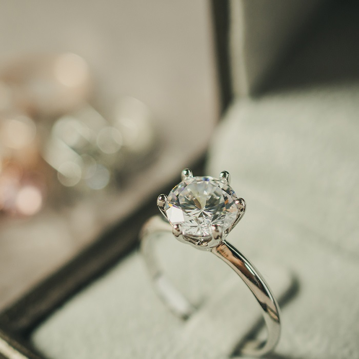 diamond engagement rings milton